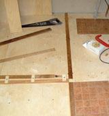 Как выполнить укладку фанеры на бетоне
