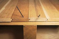 Как выполняется монтаж деревянного пола